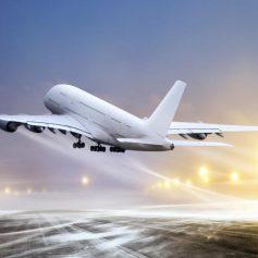 Сингапурская авиакомпания нелегально подсматривает за своими пассажирами?