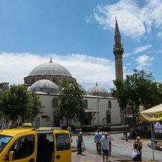 В Турции и ОАЭ туристам придётся вести себя по-другому