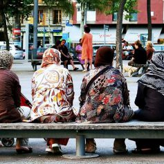 Что не так происходит с Барселоной? Мэрия просит туристов сохранять спокойствие
