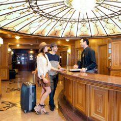 Половина туристов не оставляет отзывы об отелях
