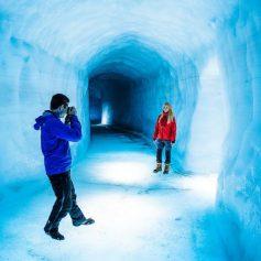 В Исландии появился новый туристический аттракцион – туннель в леднике