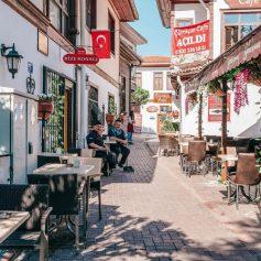 Турция готовится к туристическому сезону. Со «все включено», но без шведского стола, хаммама и россиян