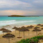 Власти Кипра готовы оплатить расходы туристов на проживание, питание и лечение