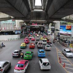 Россиянам, забронировавшим отели в Паттайе, не разрешили въехать в Таиланд