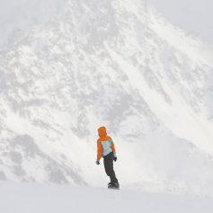 Курорт «Эльбрус» закрыли еще на два дня из-за двухметрового снега в горах