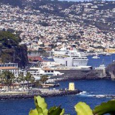 Можно ли поехать в Португалию после возобновления авиасообщения
