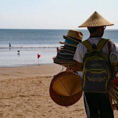 Открытие острова Бали для международных туристов вновь откладывается