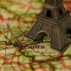 Семейный отдых во Франции оказался под вопросом из-за медицинских пропусков